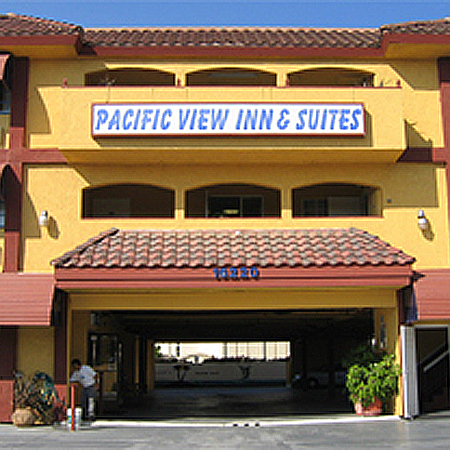 ‪Pacific View Inn & Suites‬