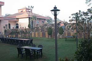 Rajdhani Tourist Motel