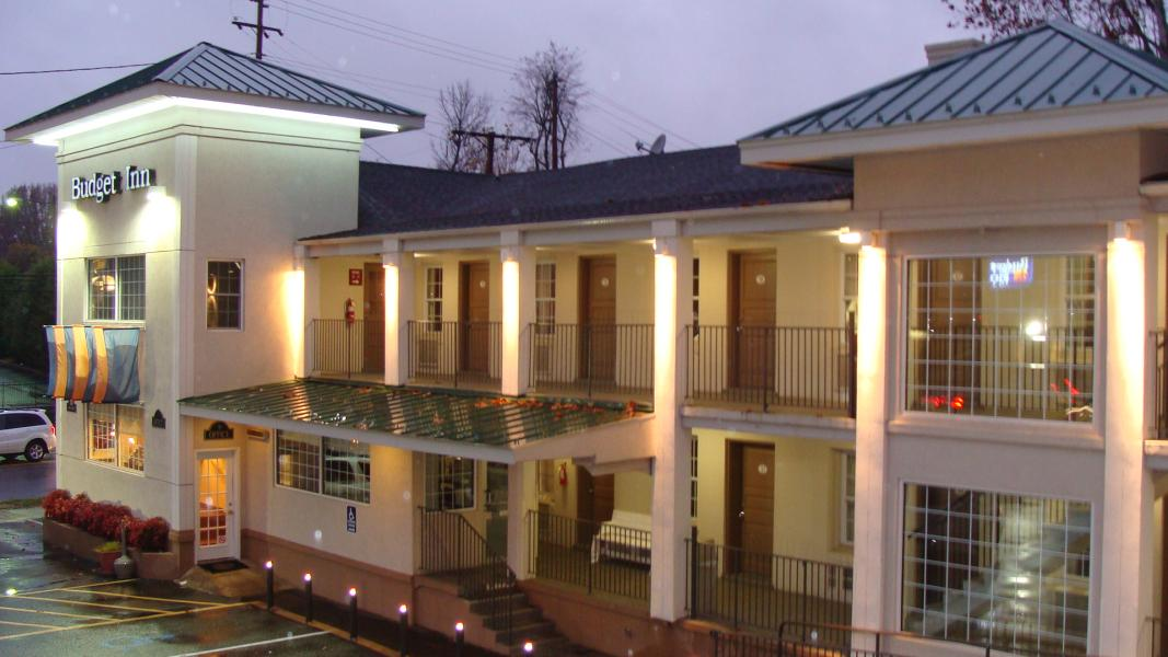 Excel Inn & Suites