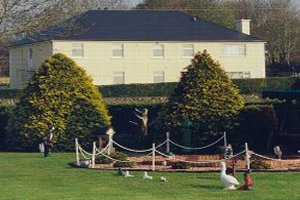 Lough Gara Lodge