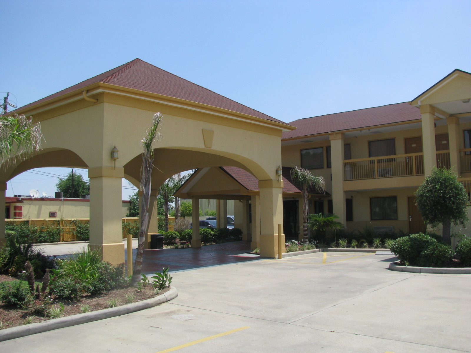 Downtowner Inn and Suites