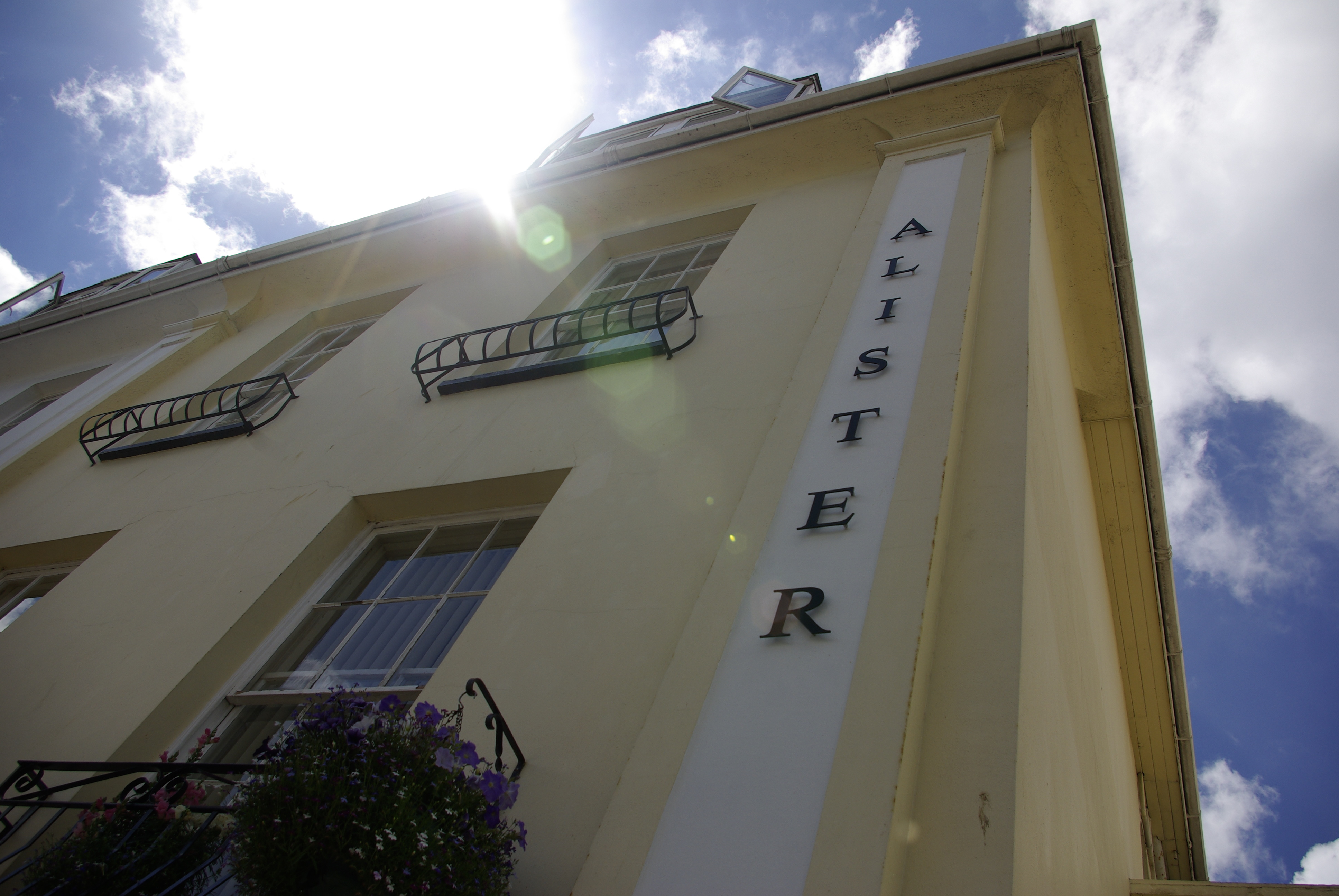 Alister Guest House