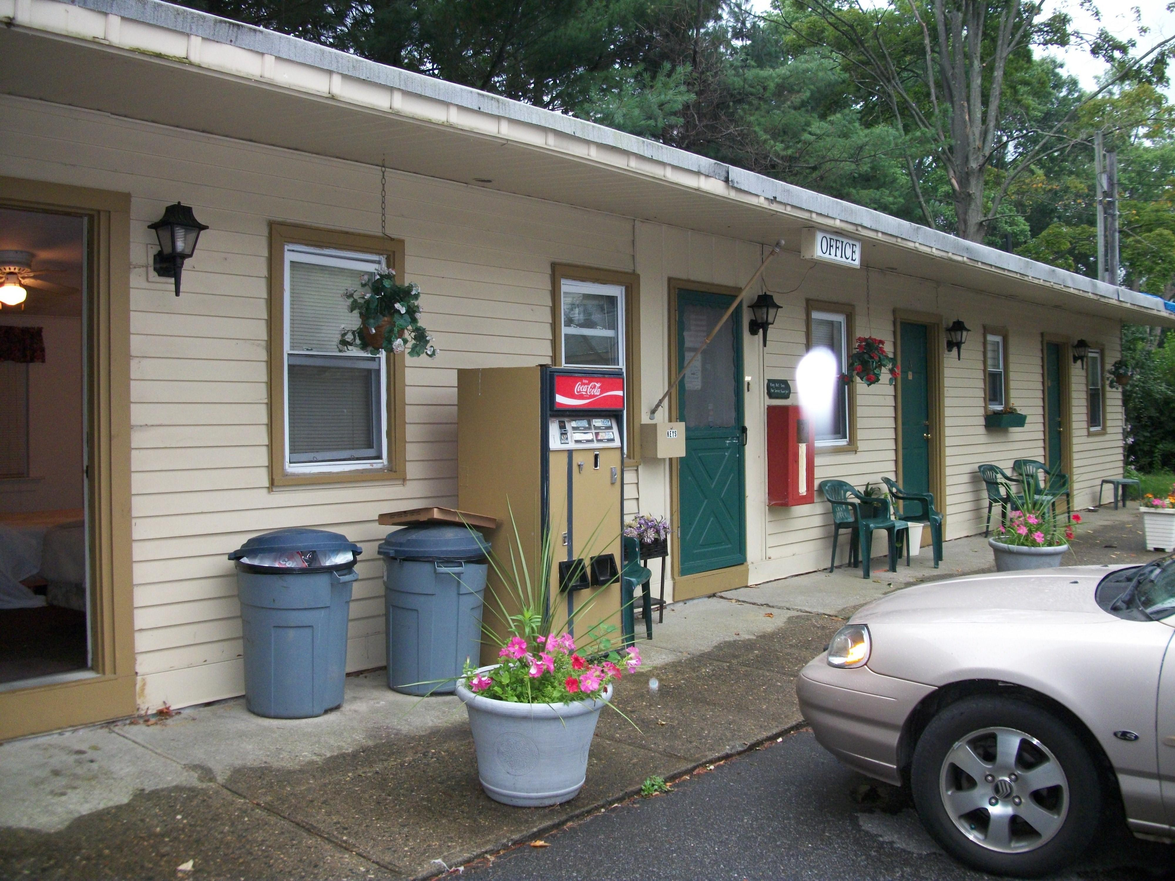 Sturbridge Heritage Motel