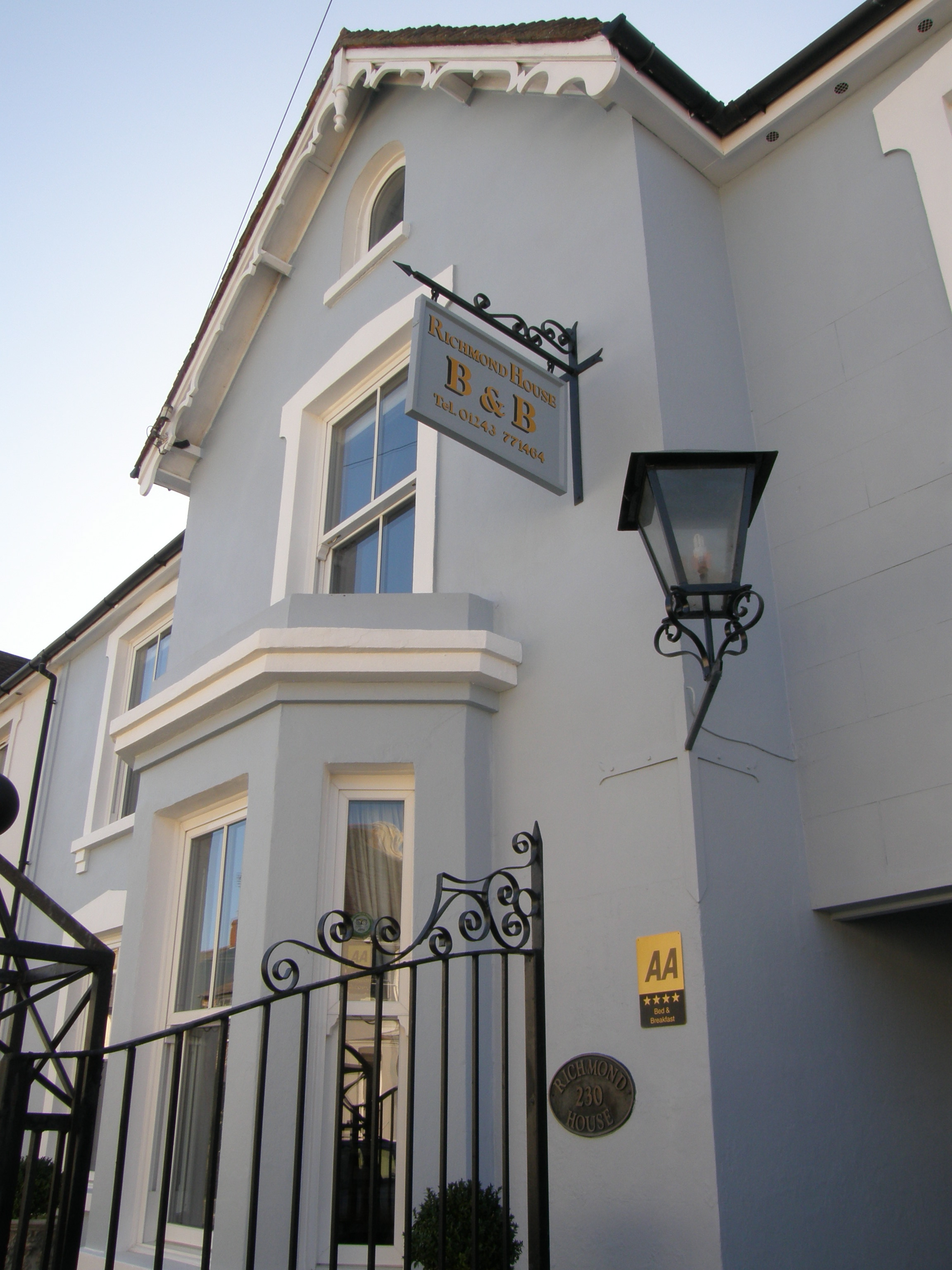 Chichester Apartments