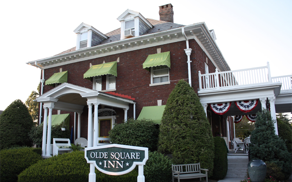 ‪The Olde Square Inn‬