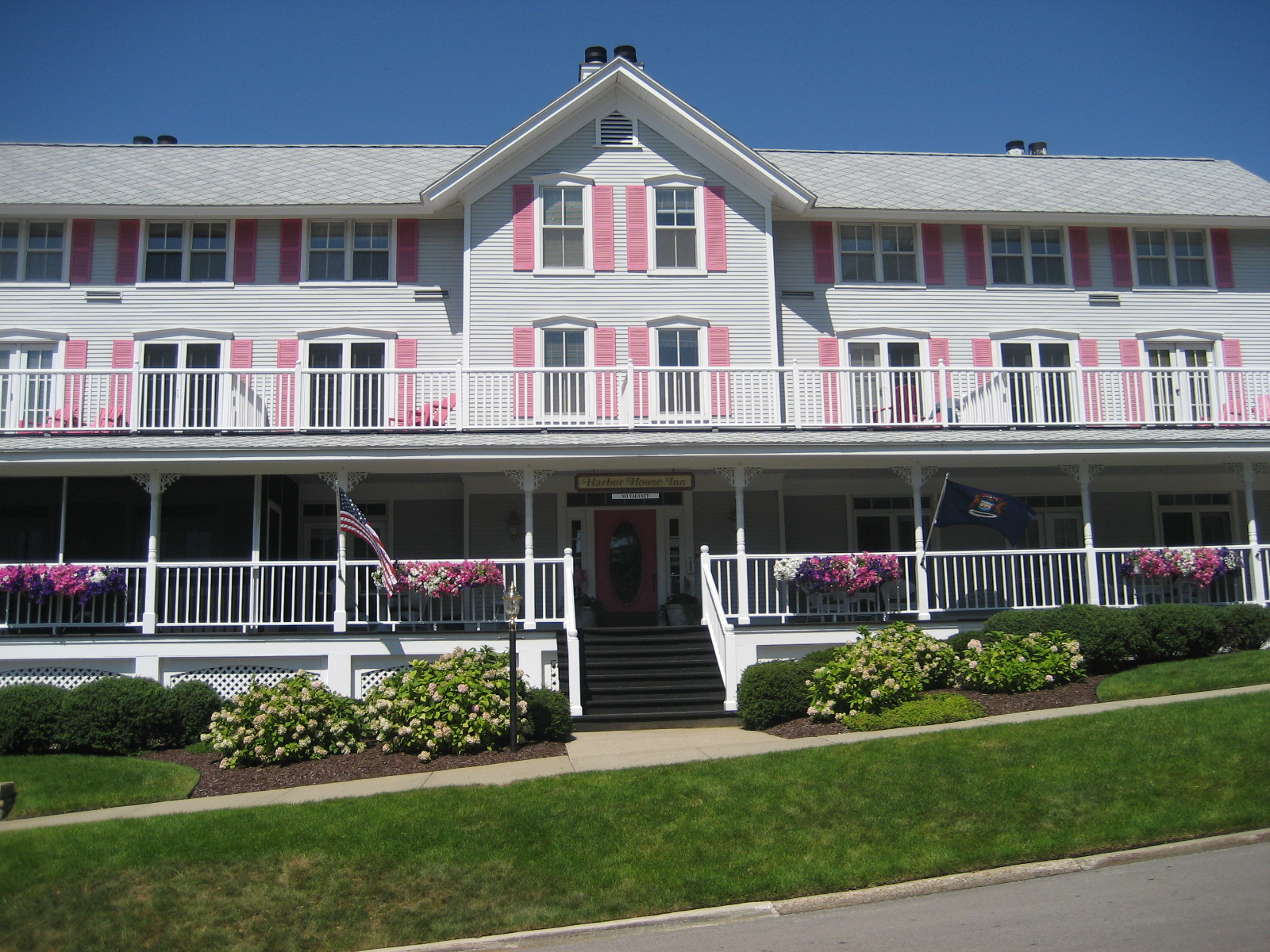 The Harbor House Inn