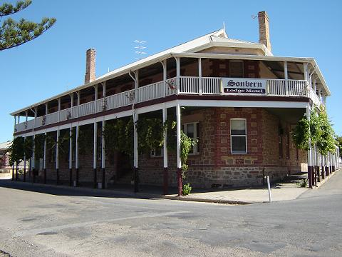 Sonbern Lodge Motel