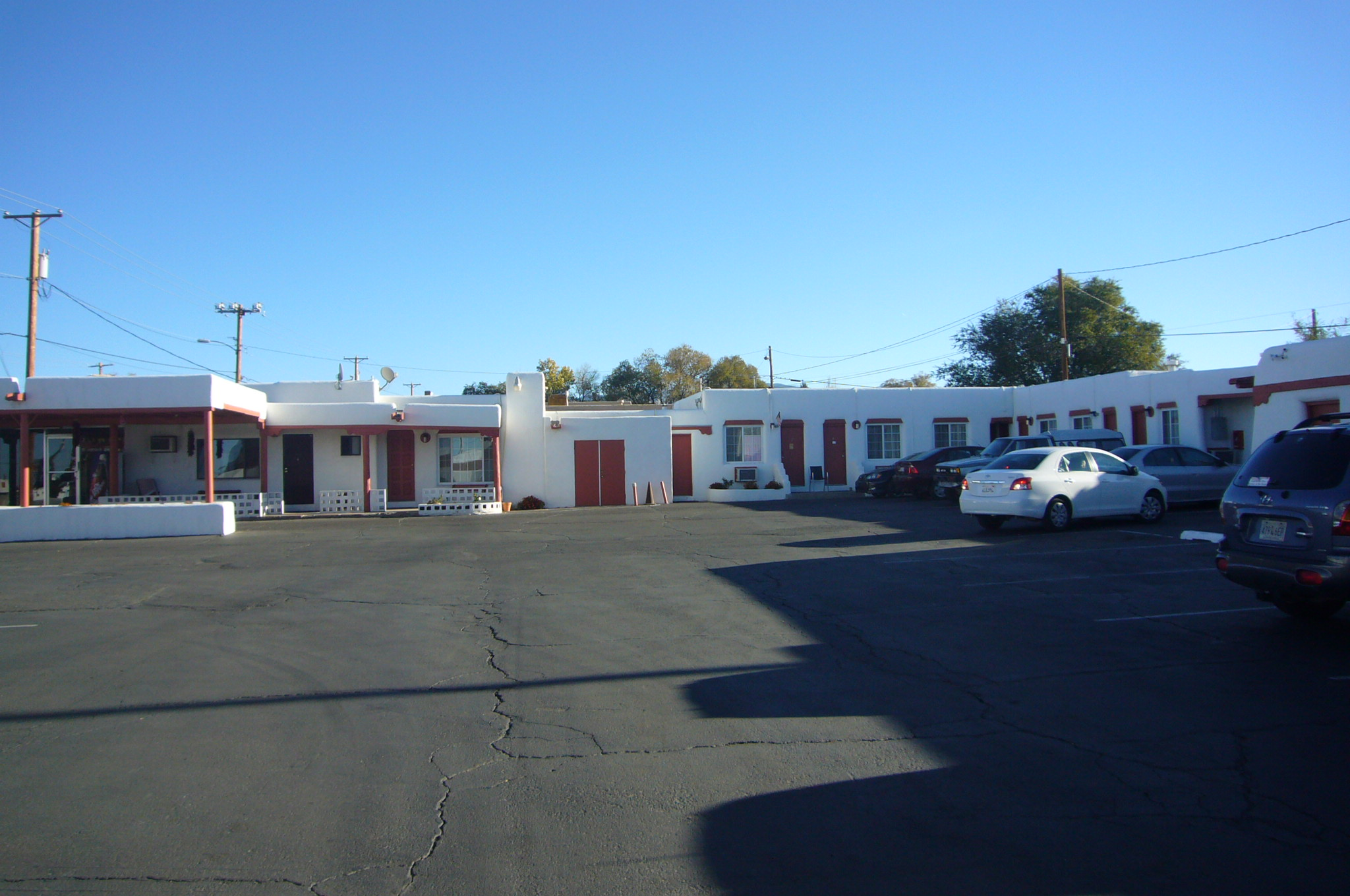 Cottonwood Court Motel