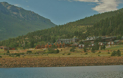 ‪Marys Lake Lodge & Resort‬