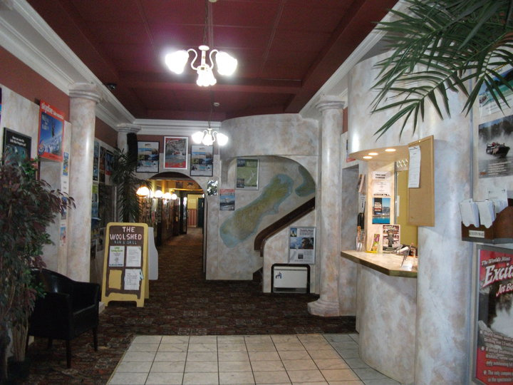 Cokers Backpackers & Budget Hotel