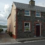 ‪Dingle's First Cottage by the Sea‬