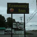Photo of Economy Inn Kendallville