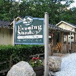 Evening Shade River Lodge &amp; Cabins