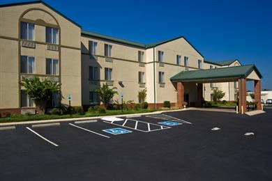BEST WESTERN PLUS Russellville Hotel & Suites