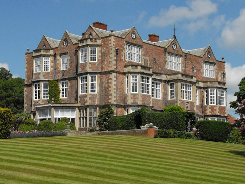 ‪Goldsborough Hall‬