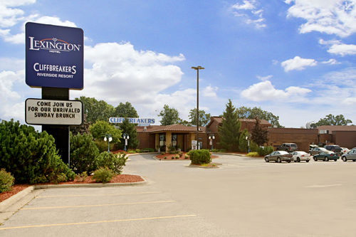Lexington Hotel at Cliffbreakers' Riverside Resort
