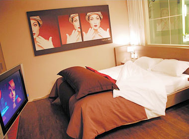 OnlySuites CDG