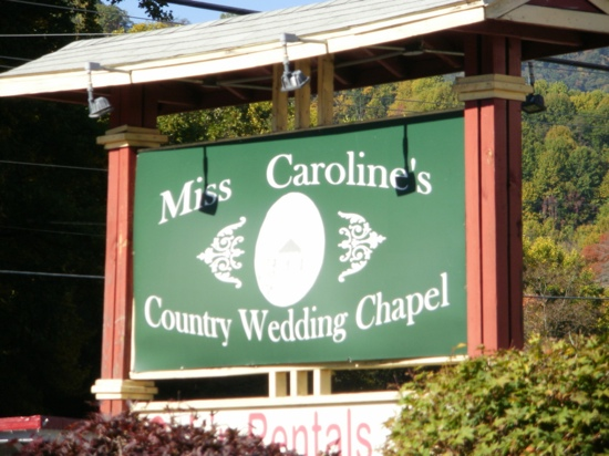 ‪Miss Caroline's Country Cabins‬