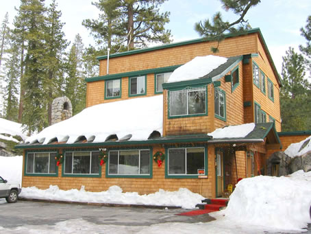 Tamarack Pines Inn