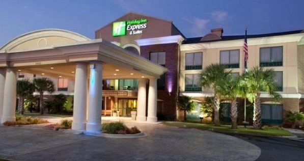 Holiday Inn Express Hotel & Suites Florence Civic Center @ I-95