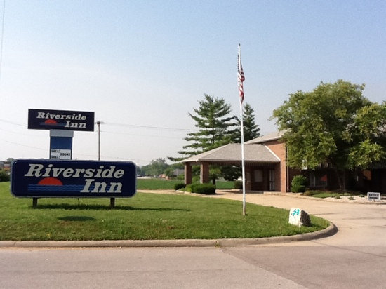 Riverside Inn Motel