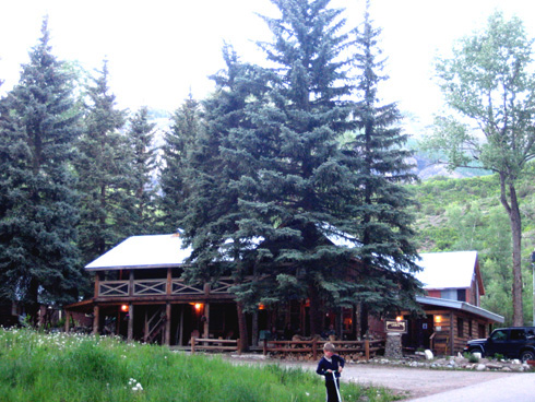 ‪Beaver Lake Lodge & Cabins‬