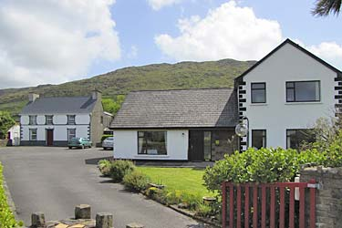 An Dooneen B&B, The Hurley Farm