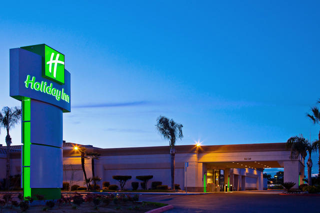 Holiday Inn Fresno-Airport