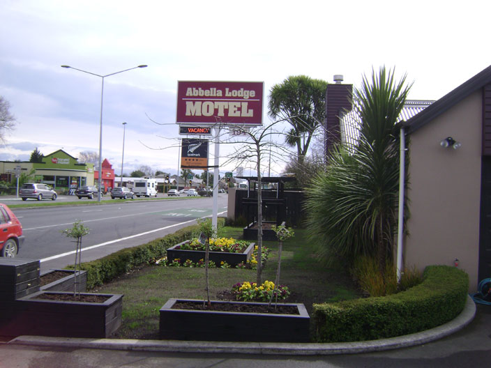 Abbella Lodge Motel