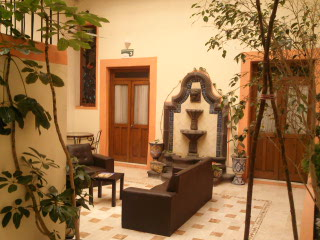 El Hotelito