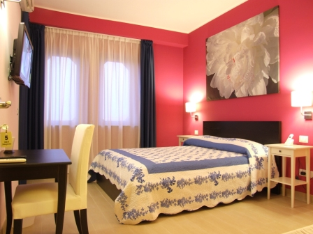 B&B Neapolis