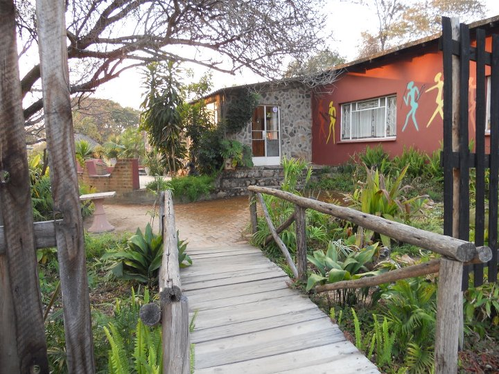 Backpackers & Overlanders Lodge