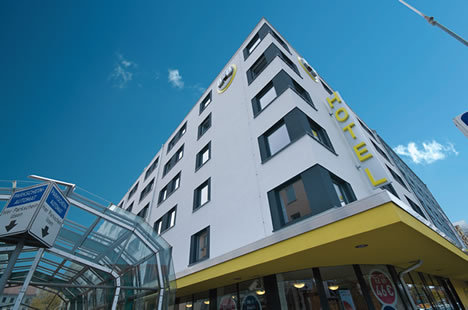 ‪B&B Hotel Nuernberg-City‬