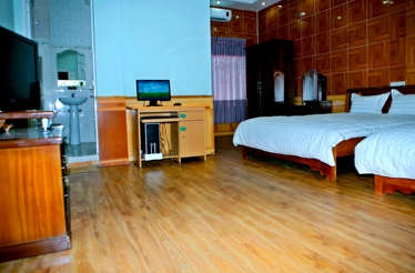 Avi Airport Hotel