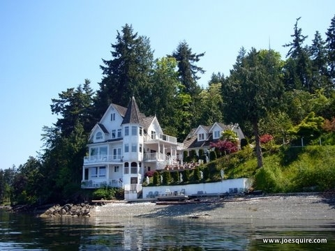 Castle Cove Inn