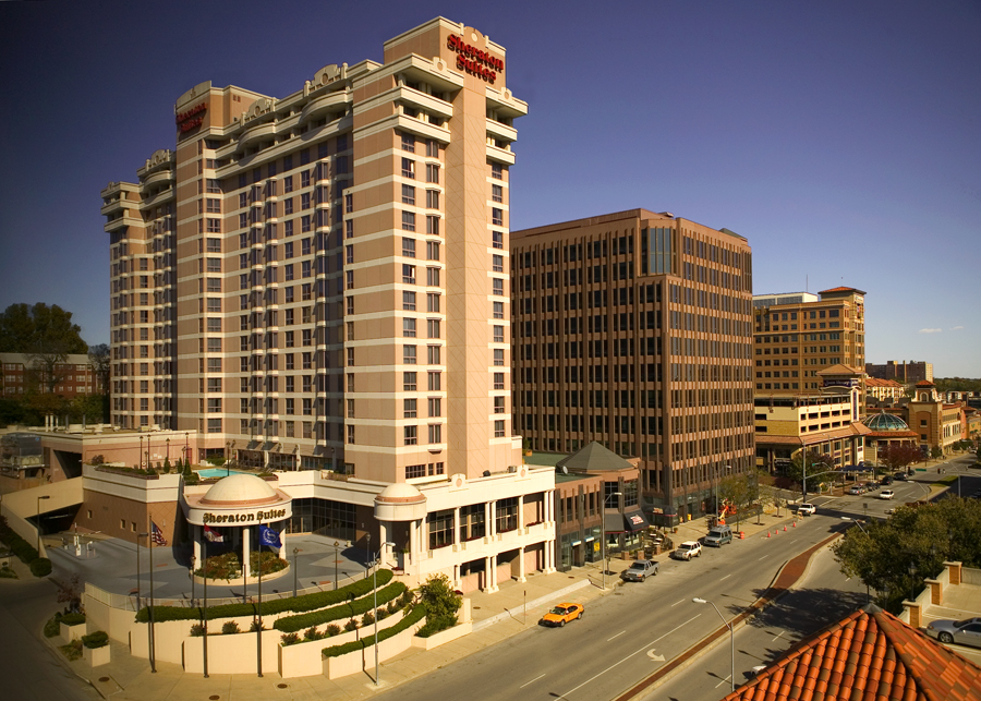 Sheraton Kansas City Hotel at Country Club Plaza