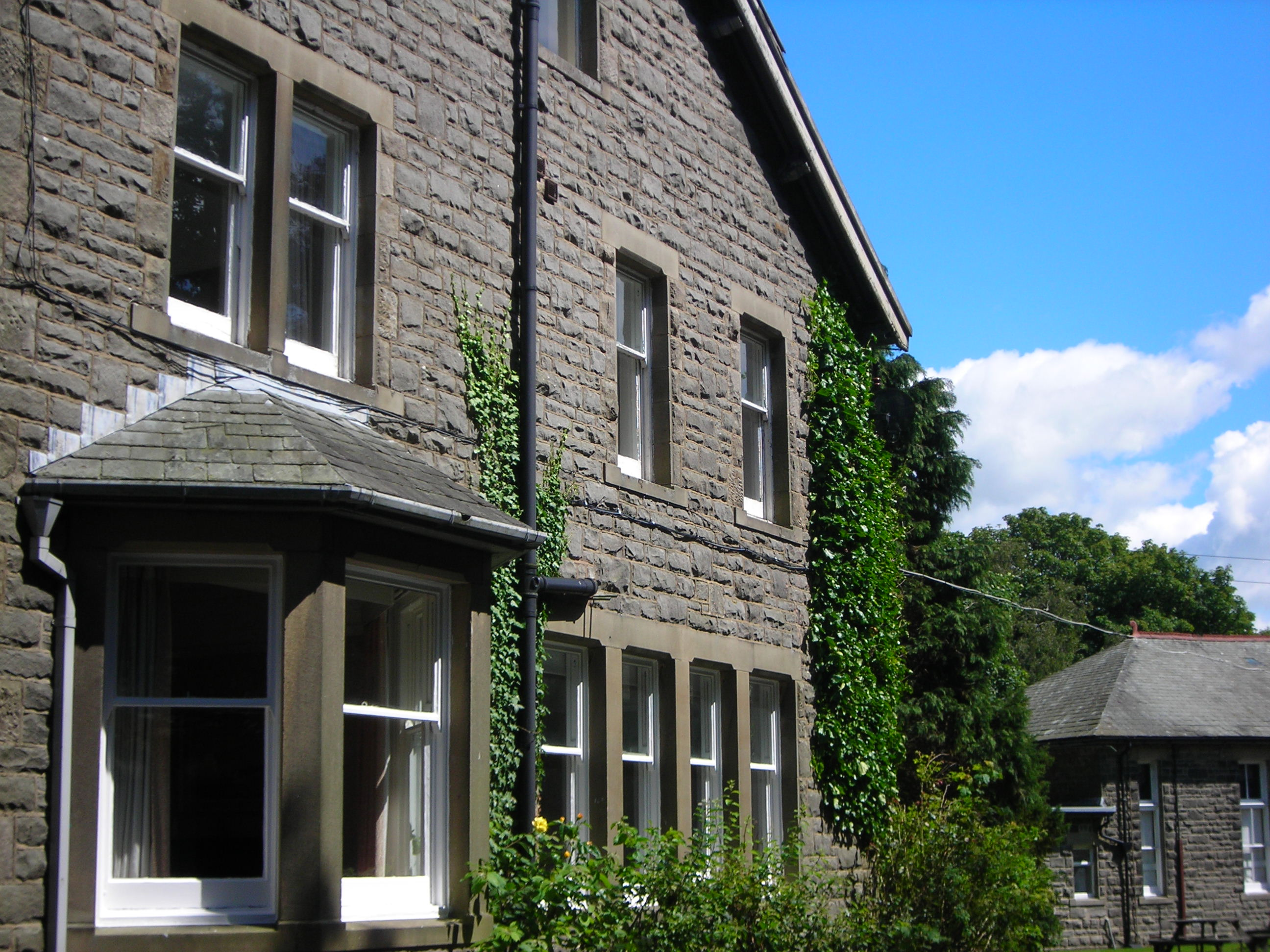 Dalesbridge House