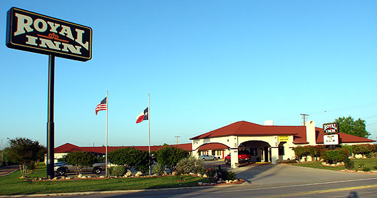 Royal Inn Pearsall