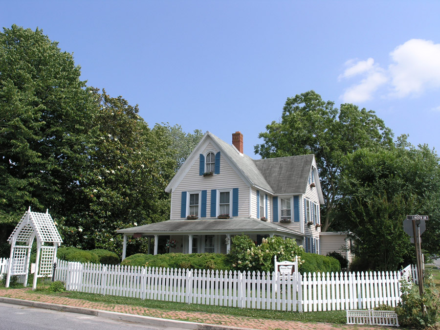 Alexander House Booklovers Bed and Breakfast