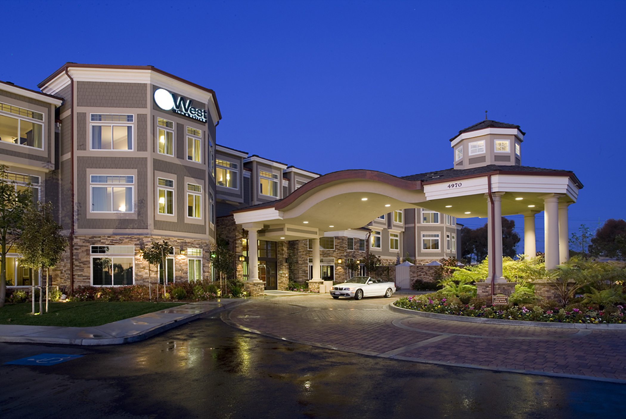 West Inn & Suites Carlsbad