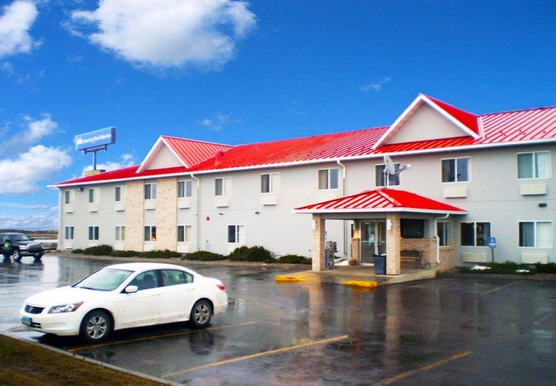 Howard Johnson Inn - West Fargo