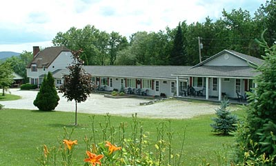 ‪Harwood Hill Motel‬