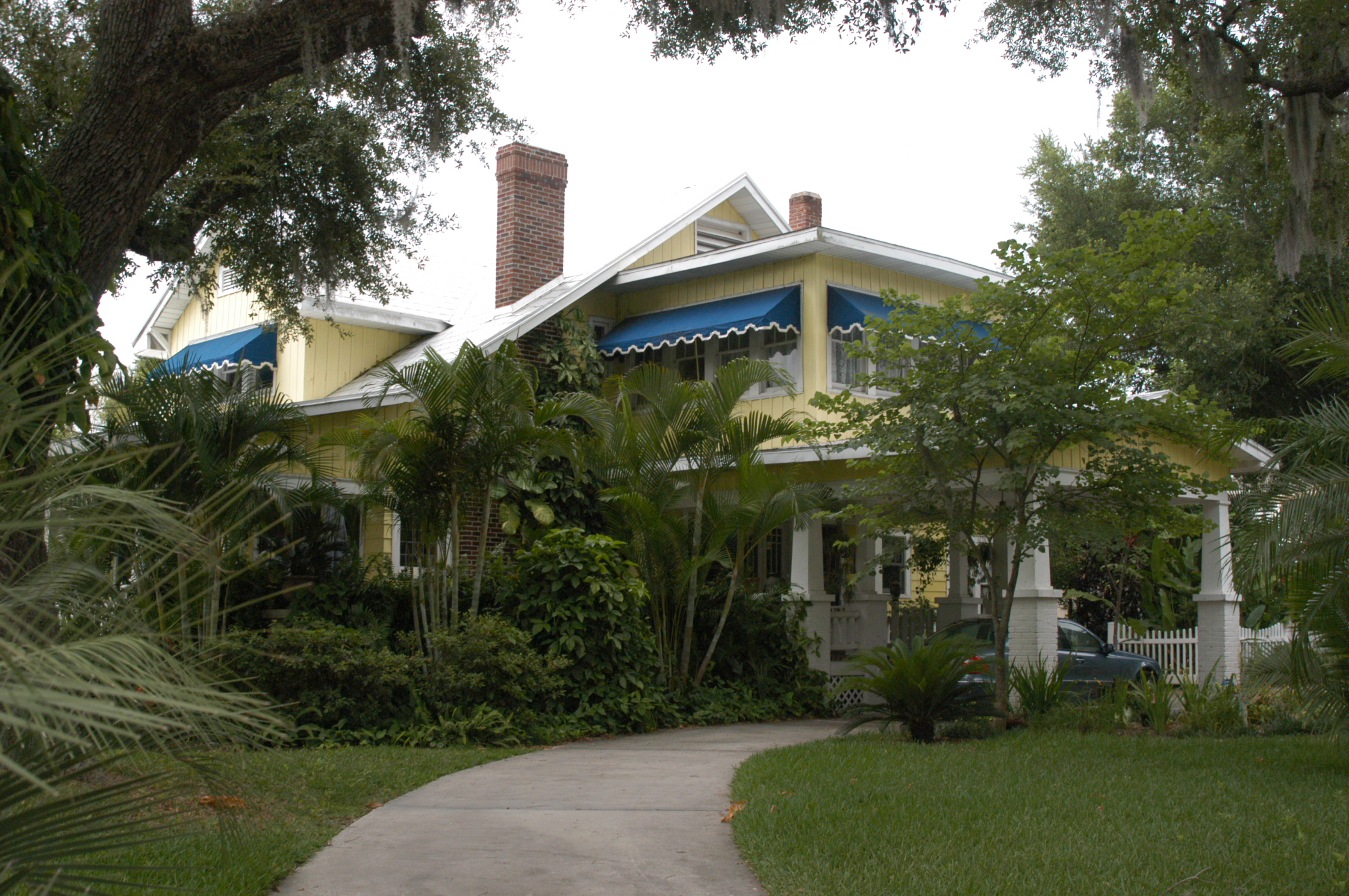 Three Oaks Bed and Breakfast