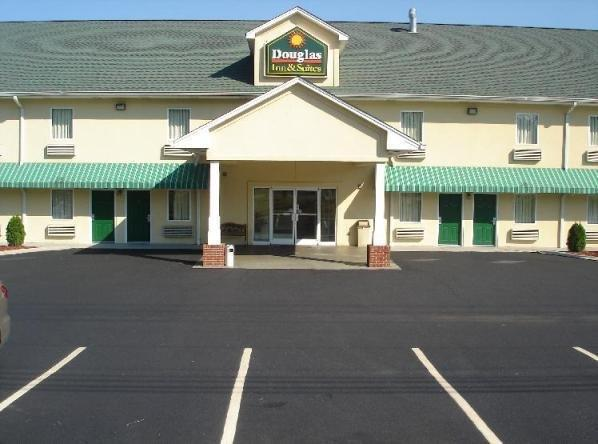 ‪Douglas Inn & Suites‬