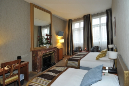 Le Phenix Hotel