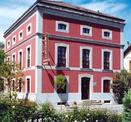 Hotel Puente Romano