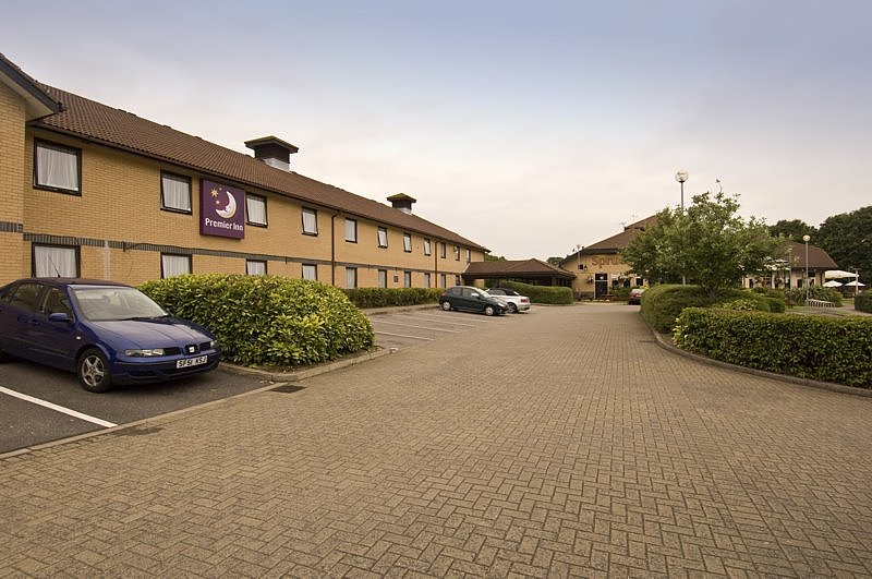 Premier Inn Basingstoke West (Churchill Way)