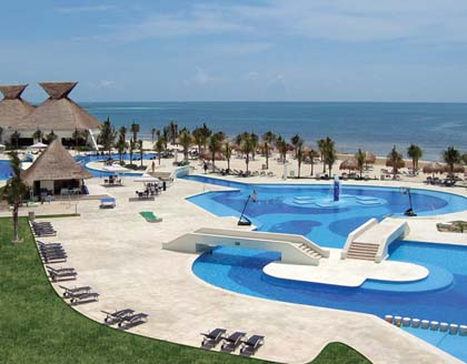 BlueBay Grand Esmeralda
