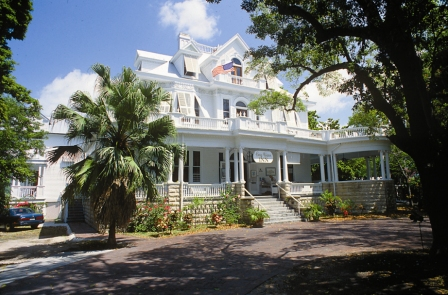 Curry Mansion Inn