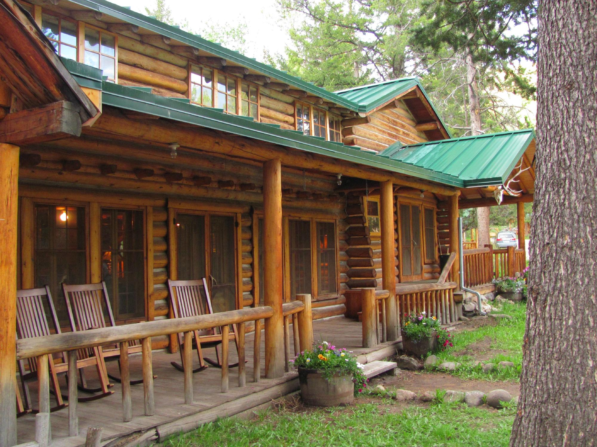 Shoshone Lodge & Guest Ranch